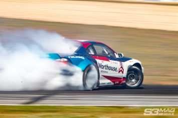 @piotrwiecek knows. There's no ways but sideways. #worthouse #worthousedrift #worthousedriftteam #falken @falkentire @arkperformance #fdatl @fealsuspension @worthousedrift