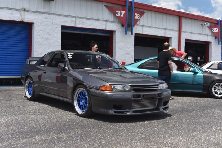 gray R32