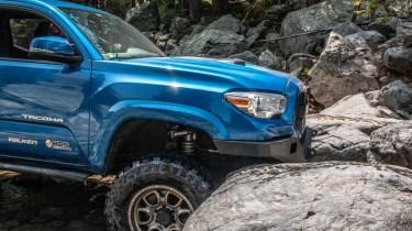 Toyota-Tacoma-Offroad-4x4-TRD-Sport-18