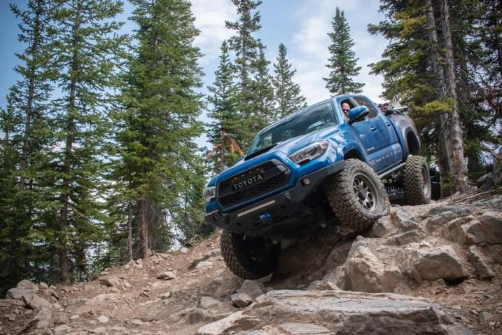 Toyota-Tacoma-Offroad-4x4-TRD-Sport-26