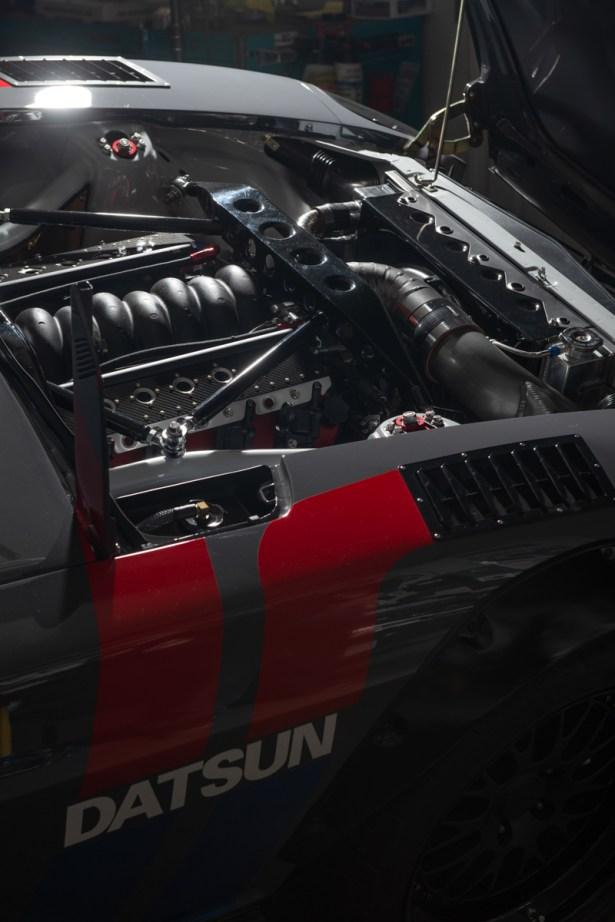 Datsun-240z-S3-Magazine-33