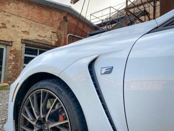 Lexus RC F fender