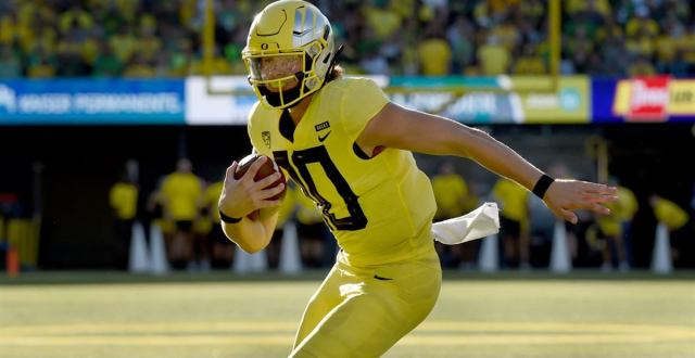 Spring Preview: No. 8 Oregon looking for WRs to emerge