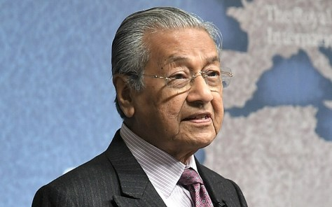 Bildergebnis für He is Unlike His Father Razak - Malaysian PM Mahathir Disappointed With Ex-PM Najib
