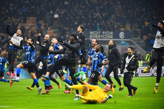 Inter win thrilling Milan derby to move top of Serie A ...