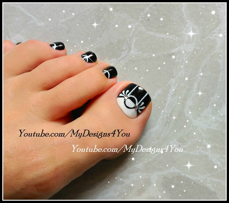 Black White Toenail Art Design