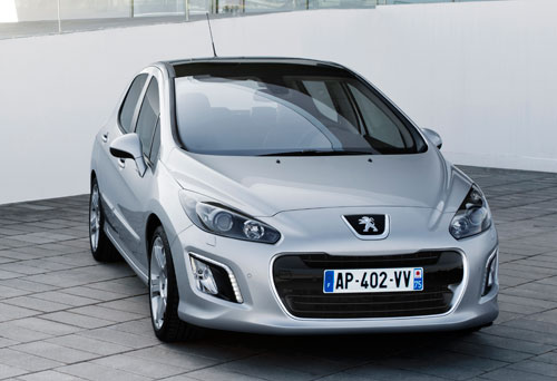 Peugeot 308 updated with new grille and LED DRL