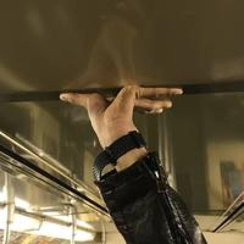 Фотограф 5 лет снимает руки пассажиров нью-йоркской подземки