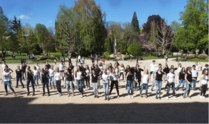 Flashmob-Probe vor dem Museum