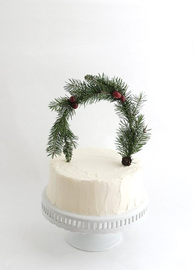 Holiday-Greenery-Cakes