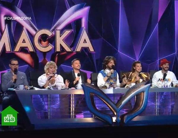 Жюри снова не смогло угадать нового участника шоу «Маска»
