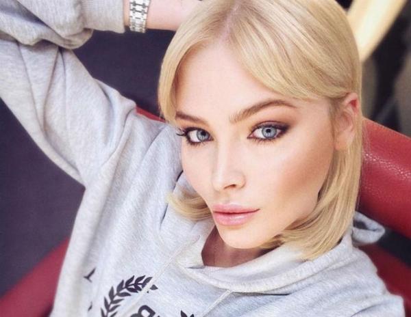 Две блондинки: Алена Шишкова поделилась редким фото со ...