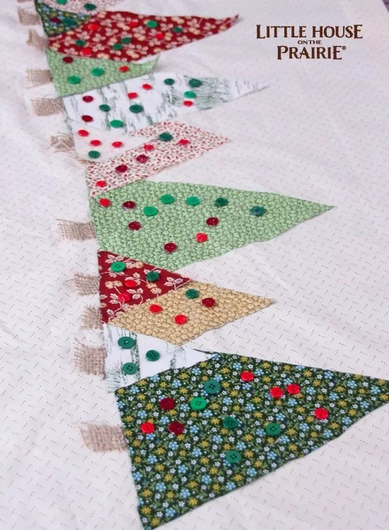 Add On Ornaments To The Christmas Tree No Sew Table Runner