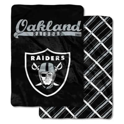 "NFL Oakland Raiders ""Glory Days"" Cloud Throw Blanket by ..."