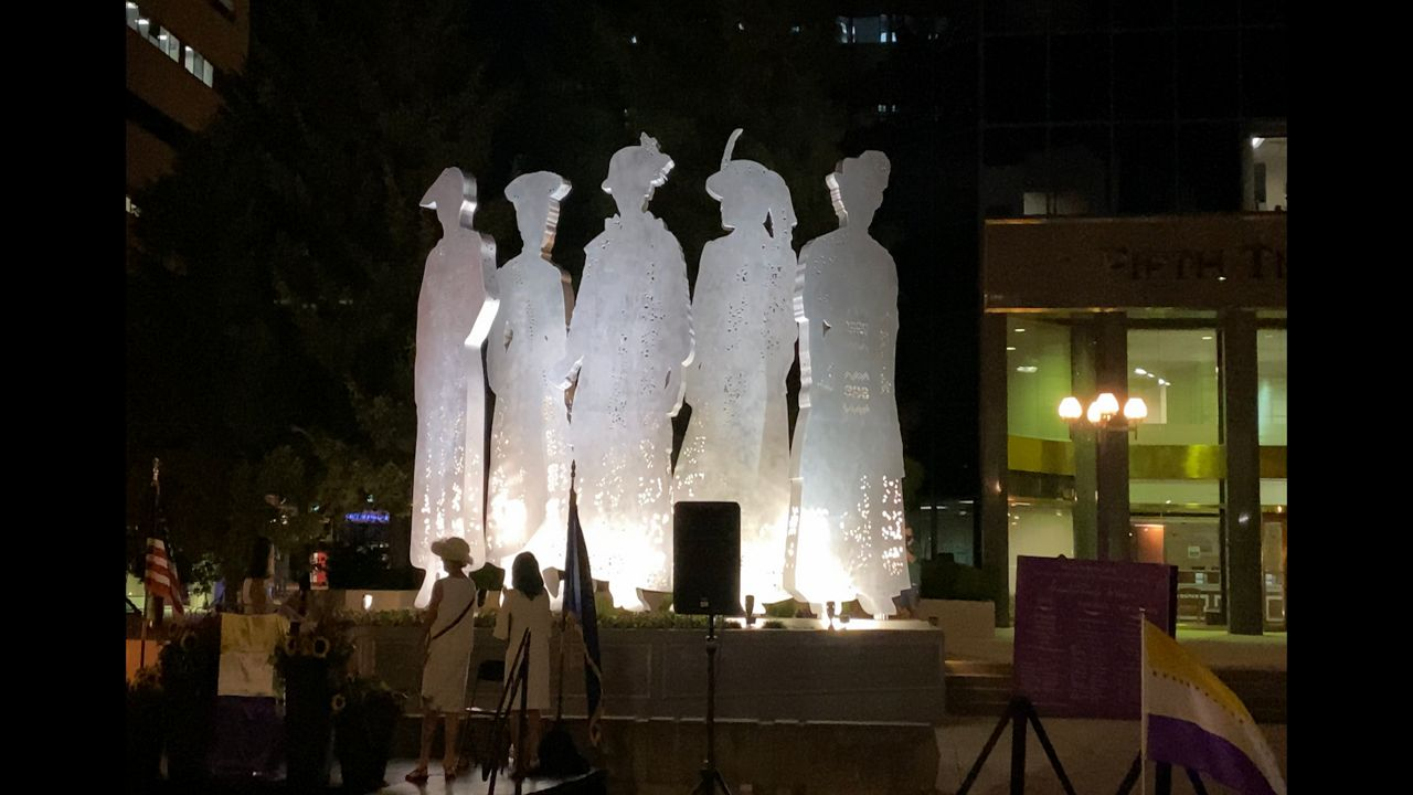 stand statue unveiled in lexington