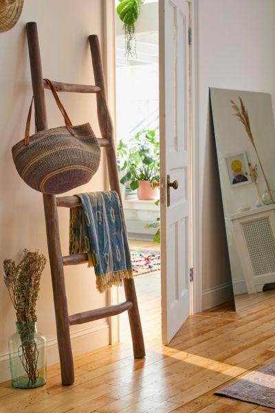 leaning blanket ladder