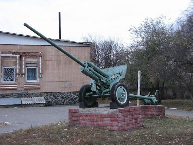 Пам'ятник воїнам-визволителям у Мені. Фото — Леонид Ильич (2014).