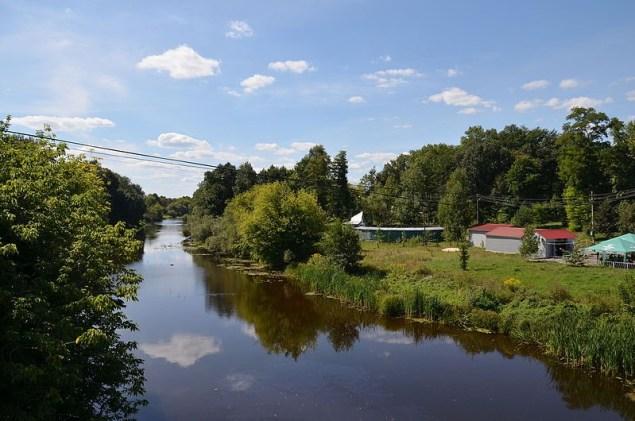 Річка Уборть у місті Олевську.