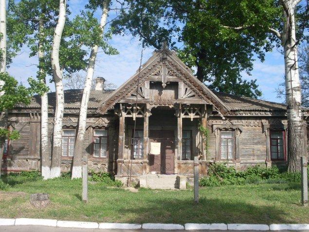 Село Мошни Черкаського району. Корпус земської лікарні