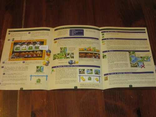 The rules are a mere three well-illustrated pages. (The other three pages provide a glossary of the components.)