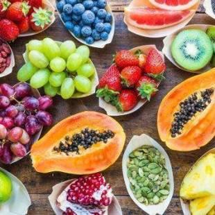 """تعرف علي 10 أنواع """"سحرية"""" من الفاكهة لخفض الوزن"""