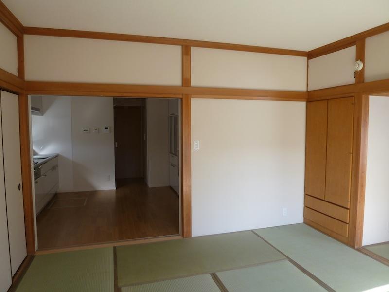 2階親世帯 和室