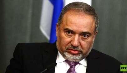 وزير الدفاع الإسرائيلي يهدد بضرب حماس
