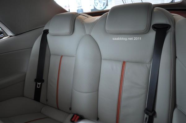 "Bancos traseiros Saab 9-3 Cabriolet ""Independence Day Edition"" em couro bicolor"