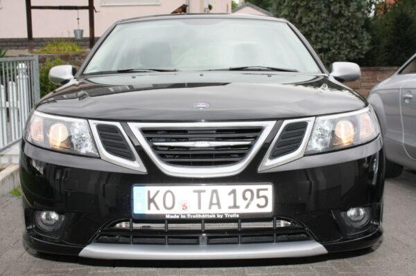 Saab 9-3 Олень Петра, держатель номерного знака «Сделано в Тролльхеттане троллями»