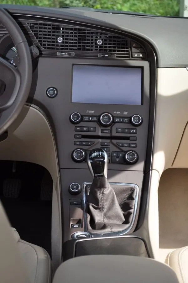 Saab 9-5 TTID4 Vector XWD, Mittelkonsole