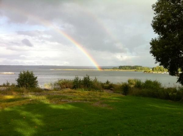 Rainbow en Suecia, Trollhättan municipio vecino Vänersborg