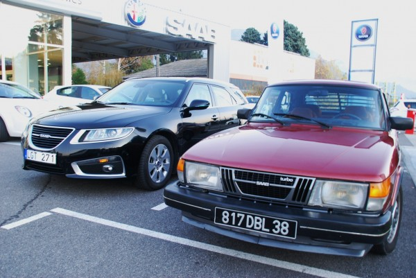 Saab 9-5 Sportkombi und Saab 900 Turbo in Frankreich