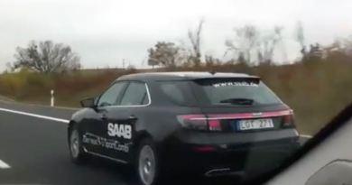 Saab 9-5 NG SC onderweg op de Duitse snelweg