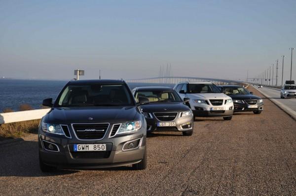 Saab 9-5 Sportkombi und Saab 9-4x, im Hintergrund die Öresund Brücke