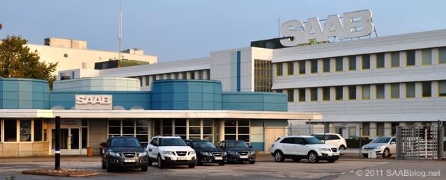 Na entrada principal, Saab 9-5 e Saab 9-4x