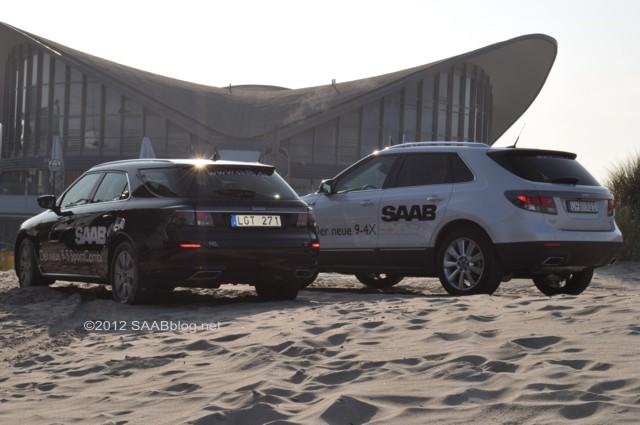 Combinação de esportes Saab 9-5 na praia de Warnemünde