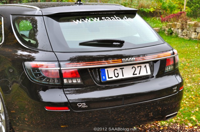 Saab 9-5 carro esportivo, a traseira é importante