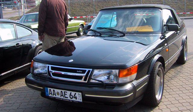 Saab 900 conversível com 63.000 quilômetros na feira em Estugarda para ...