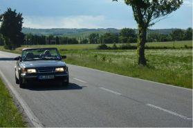 Saab 900 um belo clássico. Imagem de Otto