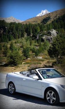 Saab in de bergen. Foto van Udo