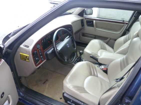 Cabine do piloto Saab 9000