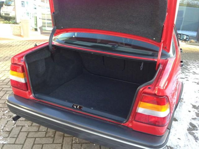 Saab 9000 CD mit riesigem Kofferraum.