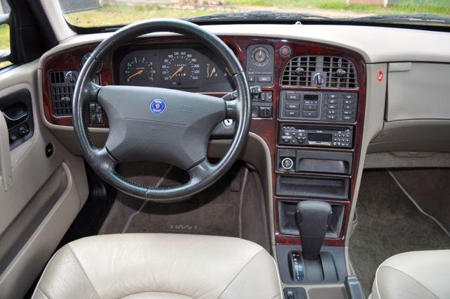 Saab 9000 CSE Innenraum: Leder, Holz, Luxus pur