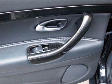 Maçanetas de porta e insere reguladores de janela em design de carbono