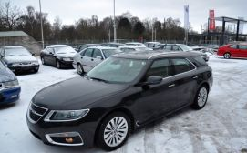Tuta sportiva Saab 9-5 da Riga