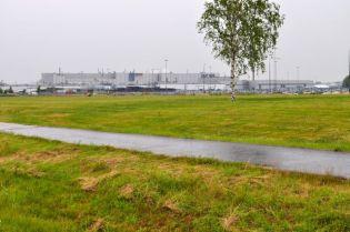 Fabbrica Saab sotto la pioggia