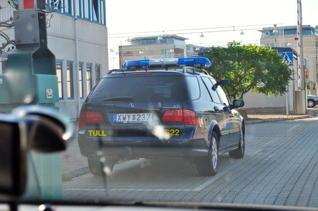 Willkommen in Schweden, Zoll-Saab 9-5