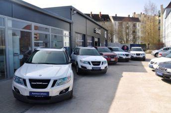 Zwei Saabs gehören dem Saab Zentrum Chemnitz