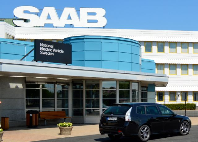 Turbo X vor dem Saab Werk