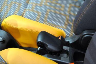 Variation: Saab 9000 Automatik Schaltknauf als Handbremshebel im Fiat Panda neu interpretiert